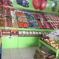 محل صغير لبيع الخضروات والفاكهة  Project Picture