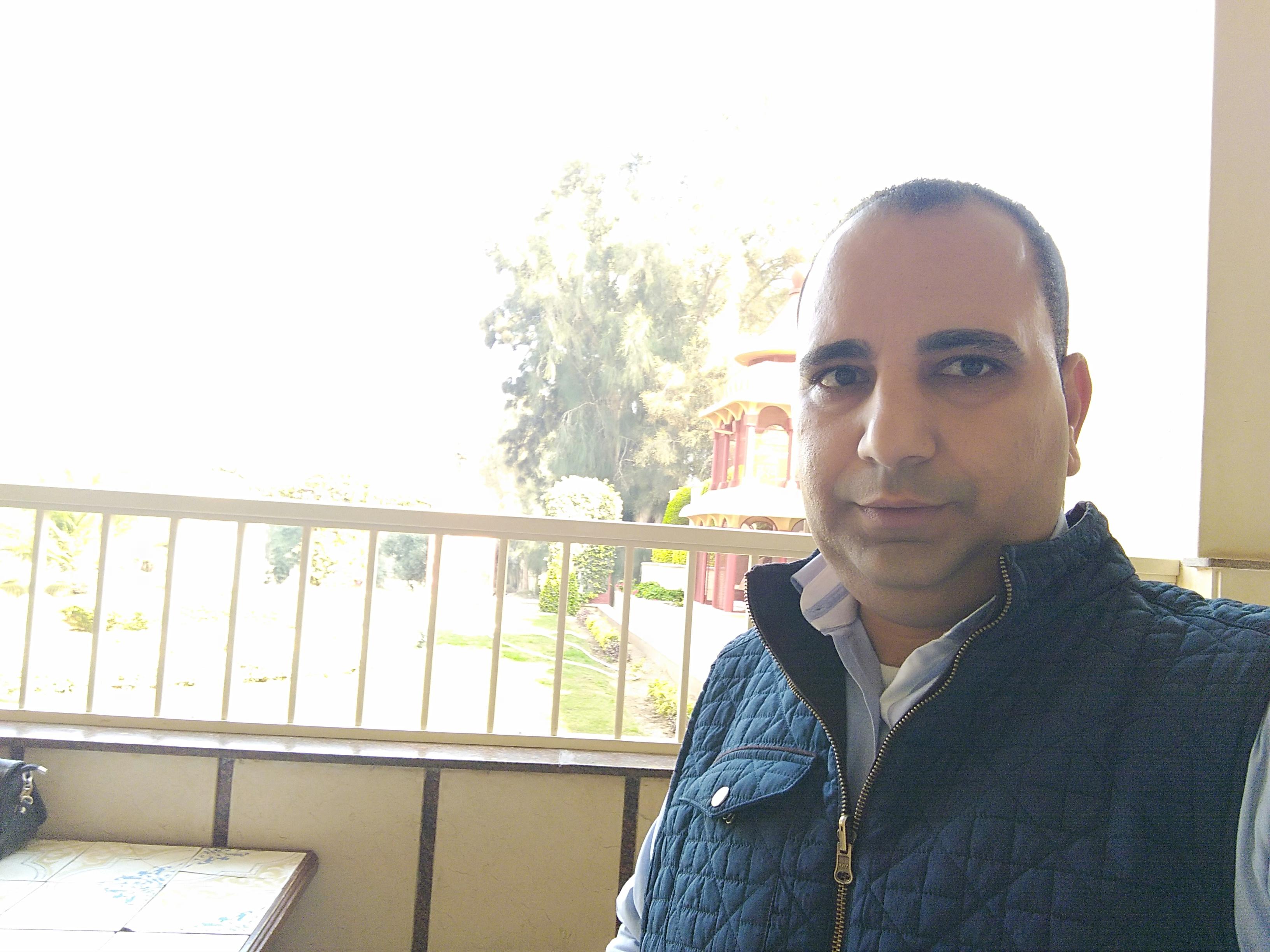 amirzake Profile Picture